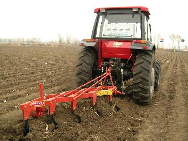 土壤耕整机械